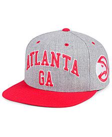 Mitchell & Ness Atlanta Hawks Side Panel Cropped Snapback Cap