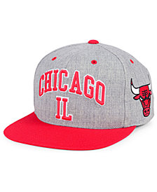 Mitchell & Ness Chicago Bulls Side Panel Cropped Snapback Cap