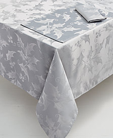 Elrene Metallic Holly 60'' x 102'' Tablecloth