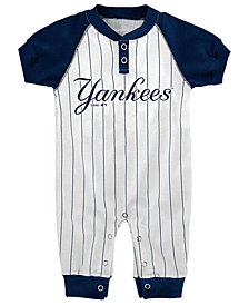 Outerstuff New York Yankees Gametime Coverall, Infants (0-9 Months)