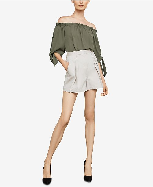 BCBGMAXAZRIA Shorts Pleated BCBGMAXAZRIA LTSTONE Pleated SnwH18x8