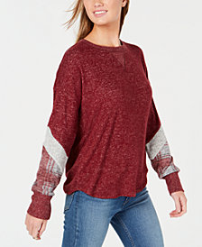 Hippie Rose Juniors' Plaid-Sleeve Hacci Sweater