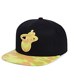 Mitchell & Ness Miami Heat Natural Camo Snapback Cap