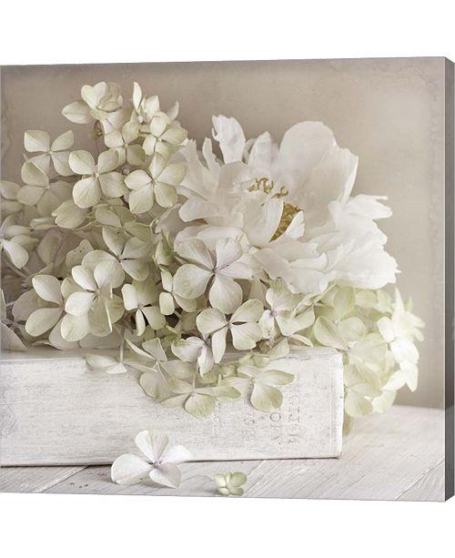 Metaverse White Flower Bo By Symposium