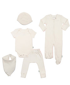 finn + emma 100% Organic Basics Bundle - Footie, Bodysuit, Pants, Cap, Bib