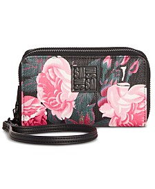 Steve Madden Girly Wristlet