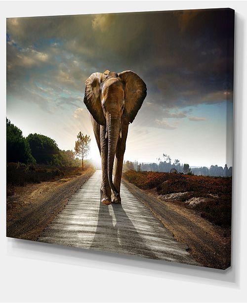 "Design Art Designart Single Walking Elephant Photography Canvas Art Print - 20"" X 12"""