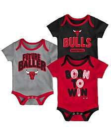 Outerstuff Chicago Bulls 3 Piece Bodysuit Set, Infants (0-9 Months)