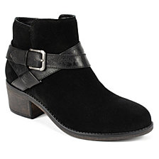 White Mountain Yonder Ankle Booties