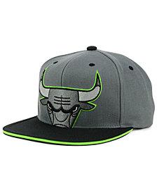 Mitchell & Ness Chicago Bulls Thirteens Cropped Snapback Cap