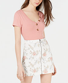 Hippie Rose Juniors' V-Neck Button Ribbed Top