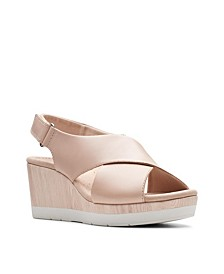 Collection Women's Cammy Pearl Wedge Sandals