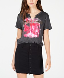 GUESS Timeless Graphic T-Shirt