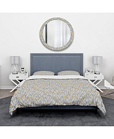 Designart 'Abstract Monochromic Pattern With Contour Leaves' Modern and Contemporary Duvet Cover Set - King