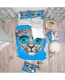 Designart 'Leopard With Mirror Sunglasses' Tropical Duvet Cover Set - Queen