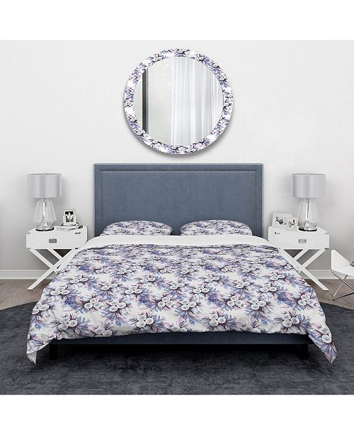 Design Art Designart 'Floral Pattern In Purples And Blues' Traditional Duvet Cover Set - King