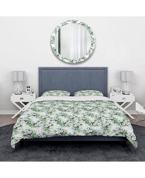 Design Art Designart 'Elegant White Roses Bridesmaid'S Bouquet' Traditional Duvet Cover Set - King