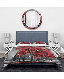 Designart 'Big Red Tree On Foggy Day' Traditional Duvet Cover Set - Twin
