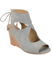 Journee Collection Women's Camia Wedges