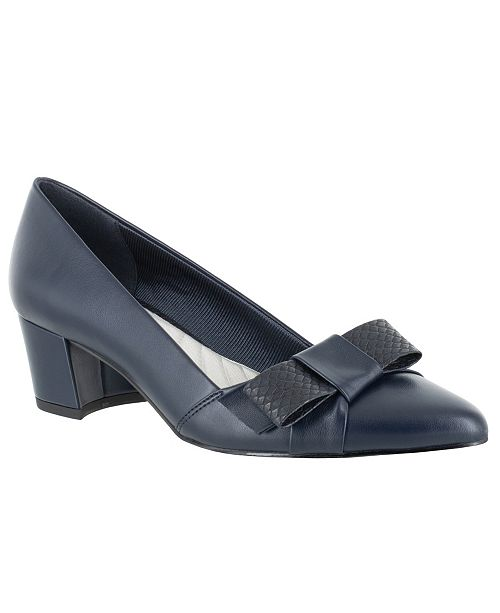 Easy Street Triana Bow Pumps
