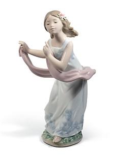 Lladró Pleasant Breeze Figurine