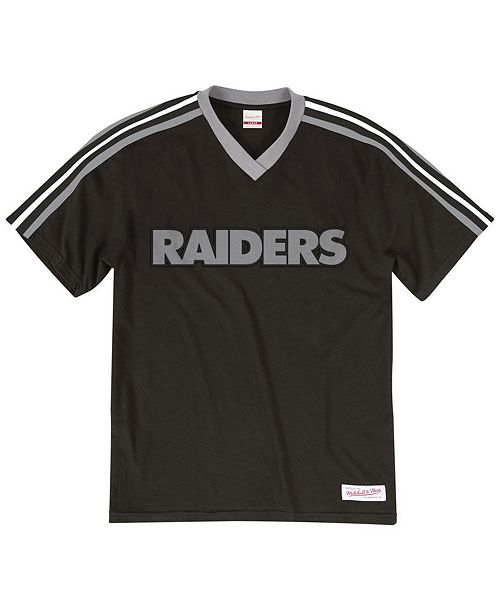 Mitchell & Ness Men's Oakland Raiders Overtime Win V-Neck T-Shirt