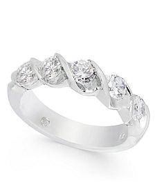Diamond Twist Band (1 ct. t.w.) in 14k White Gold