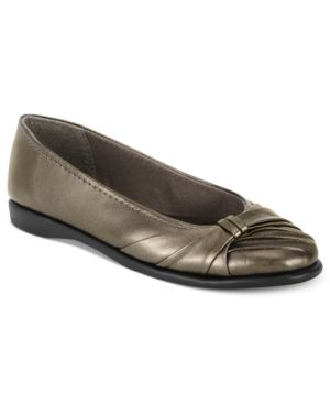 Easy Street Giddy Flats Women