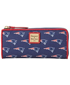 New England Patriots Saffiano Zip Clutch