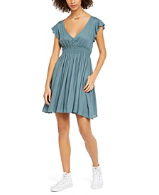 Juniors' Gracefully Floating Flutter-Sleeve Dress