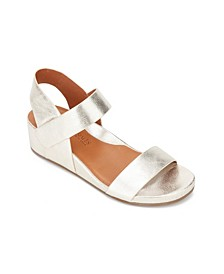 by Kenneth Cole Gisele Two Band Sandals