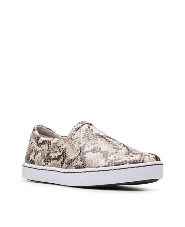 Clarks Collection Women's Pawley Bliss Sneakers