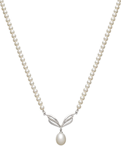 14k White Gold Necklace, Diamond (1/4 ct. t.w.) and Cultured Freshwater Pearl (9mm) Necklace