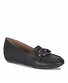 Kellye Women's Loafer