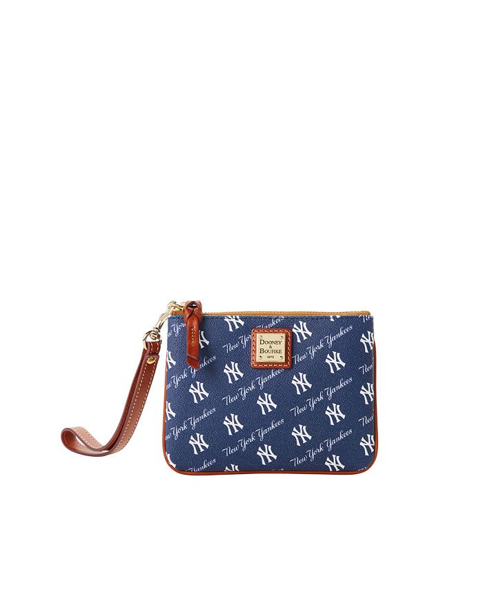 Lids - New York Yankees League Collection Stadium Wristlet