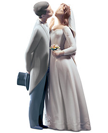 Lladro Collectible Figurine, A Kiss To Remember