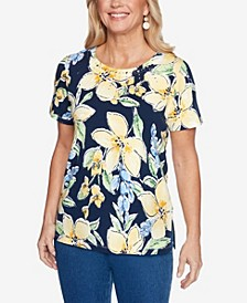 Plus Size Lazy Daisy Tossed Floral Top