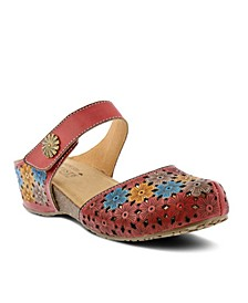L'Artiste Women's Spikey Slip-on Clogs