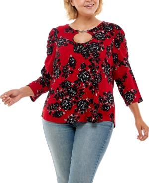 Plus Size 3/4 Ruched Sleeve with Keyhole Buckle Front Top
