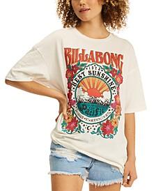 Juniors' Golden Glow Cotton Graphic T-Shirt