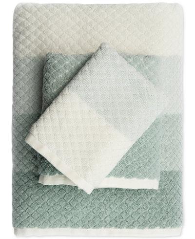 Caro Home Paloma Diamond Stripe Bath Towel