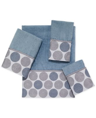 avanti dotted circles fingertip towel - Fingertip Towels
