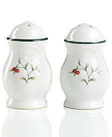 Pfaltzgraff Winterberry Salt and Pepper Shakers