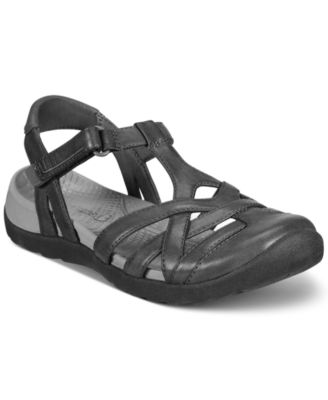 Image of Bare Traps Fayda Outdoor Sandals