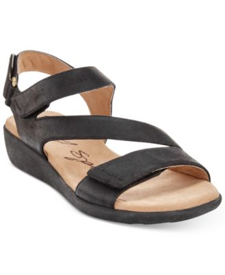 Image of Easy Spirit Kailynne Sandals