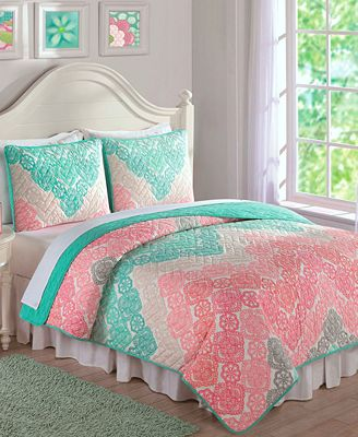 Laura Hart Kids' Antique Chevron Reversible Quilt Sets