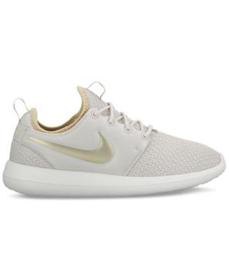 Femmes Nike Roshe Deux Chaussures De Sport