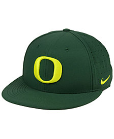 hot sale online ec056 0300d Nike Oregon Ducks Aerobill True Fitted Baseball Cap