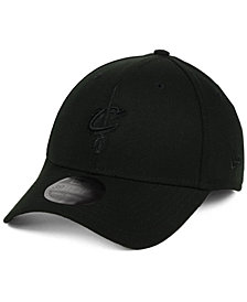 New Era Cleveland Cavaliers Blackout 39THIRTY Cap