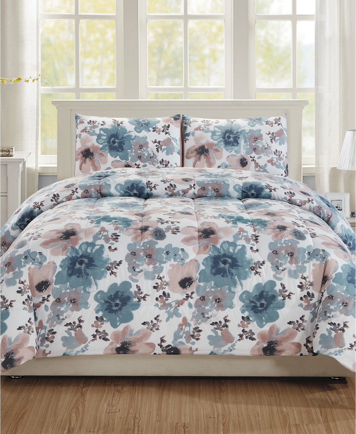 Hallmart Collectibles Brigitta 2-Pc. Twin Comforter Set